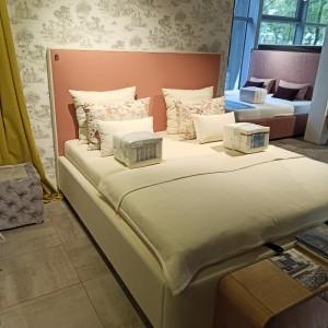 Čalúnená posteľ Quadro One...